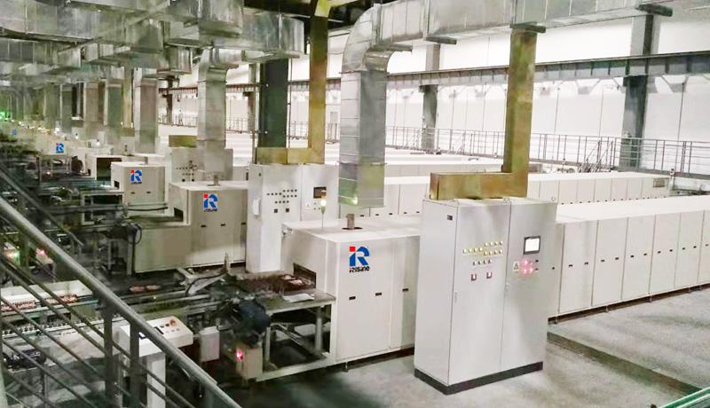 美的微波炉生产线 R.jpg